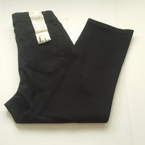 Jones NY Jeans Black Sutton Capri Slimming Size 8